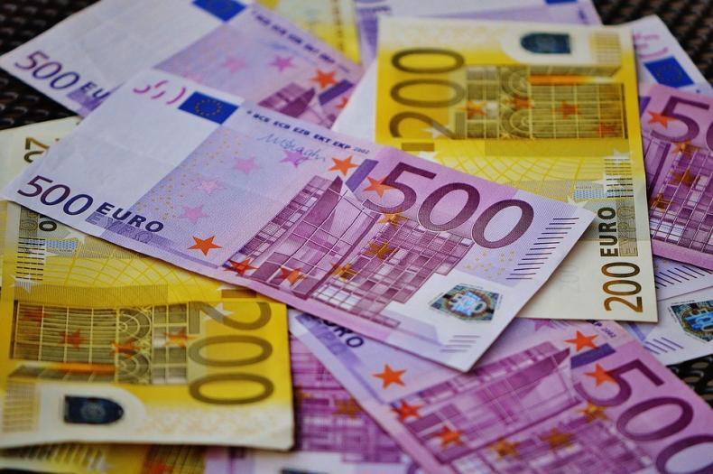 Waluty rynków wschodzących nadal zyskują - GospodarkaMorska.pl