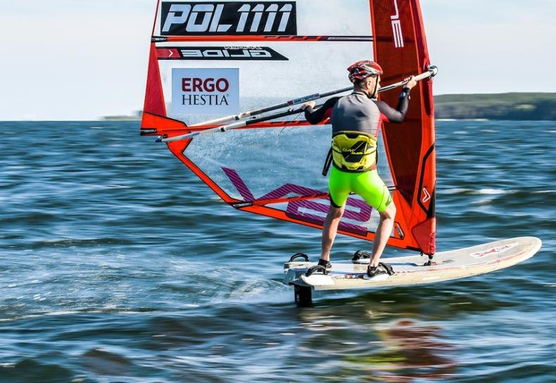 Bezkonkurencyjny Bartek Kwiek w ABC Surf Cup - GospodarkaMorska.pl