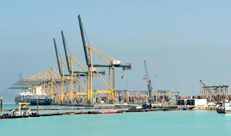 Największy terminal kontenerowy w Arabii Saudyjskiej z 28 nowymi suwnicami - GospodarkaMorska.pl