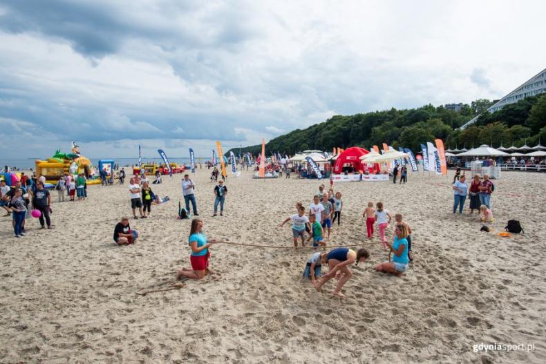 Otwarte niemal wszystkie nadmorskie kąpieliska - GospodarkaMorska.pl