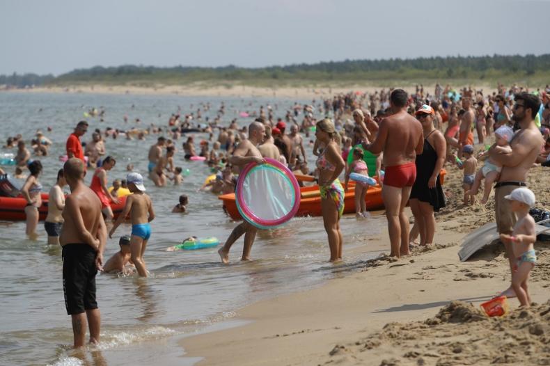 Z powodu sinic zamknięte tylko nadmorskie kąpielisko w Rewie - GospodarkaMorska.pl