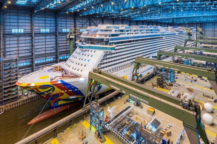 Meyer Werft zwodował najnowszy wycieczkowiec Norwegian Cruise Line - GospodarkaMorska.pl