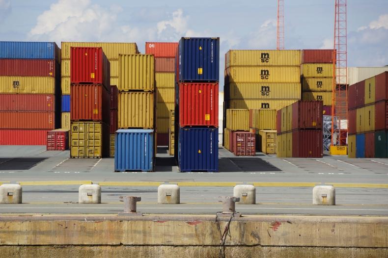 USA: 10-procentowe cła na chińskie produkty dopiero od połowy grudnia - GospodarkaMorska.pl