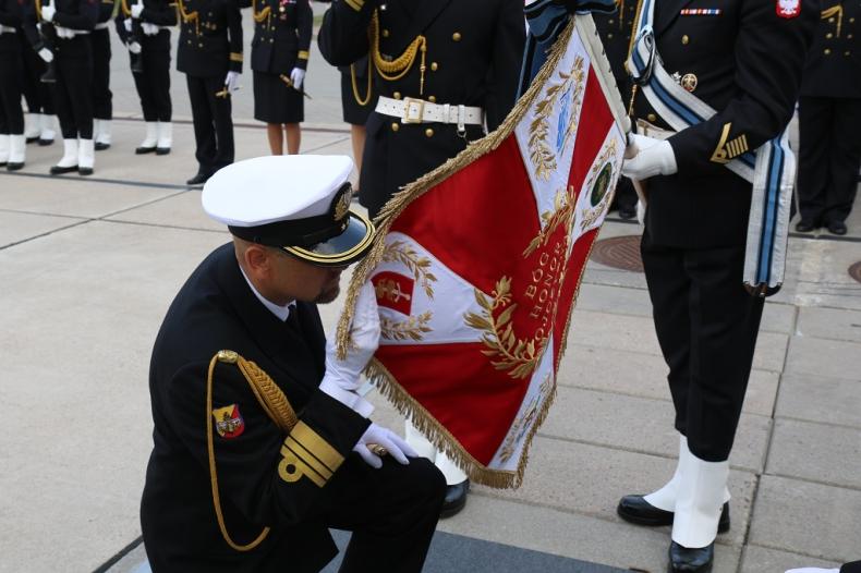 Uroczyste przekazanie obowiązków na stanowisku Komendanta Portu Wojennego Gdynia - GospodarkaMorska.pl