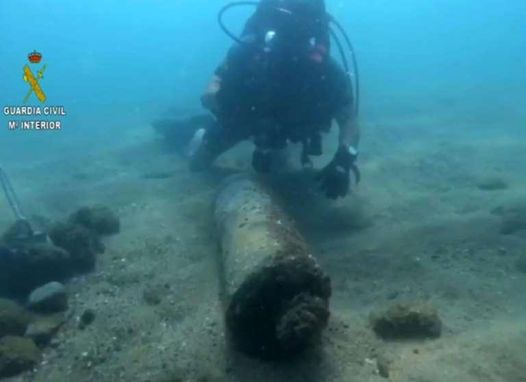 Hiszpania: U brzegów Barcelony zdetonowano bombę z czasów wojny domowej - GospodarkaMorska.pl