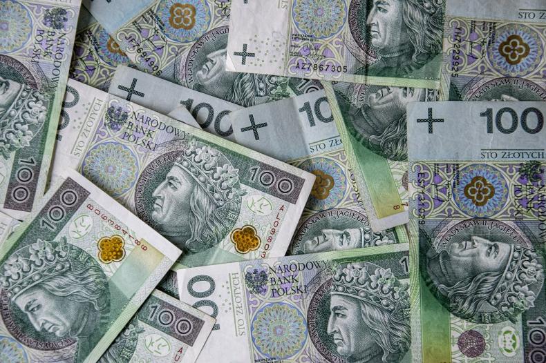 DZIEŃ NA FX/FI: Złoty pozostanie słaby; rentowności mogą spadać - GospodarkaMorska.pl