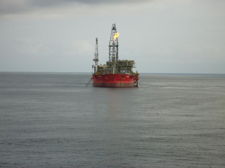 Ropa w USA tanieje, chociaż jej zapasy są dużo niższe - GospodarkaMorska.pl