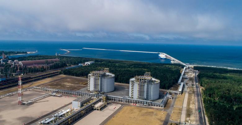 Prezydent podpisał specustawę o terminalu LNG w Świnoujściu - GospodarkaMorska.pl