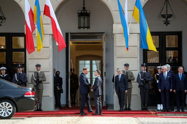 Zełenski: Ukraina chce stać się aktywnym uczestnikiem Inicjatywy Trójmorza - GospodarkaMorska.pl