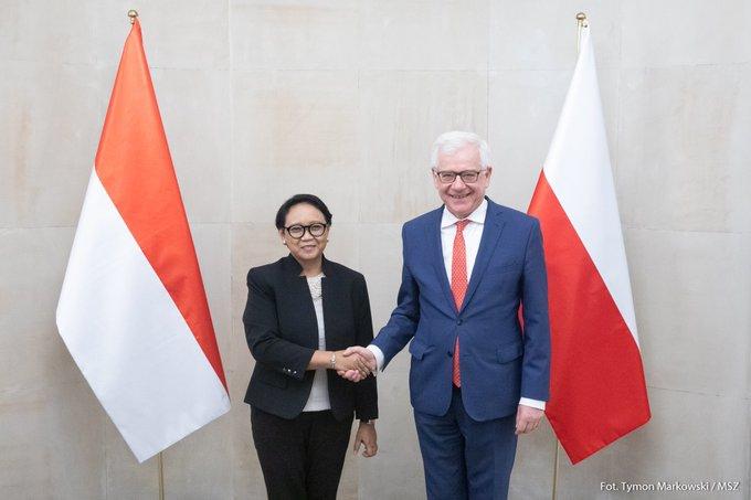 Czaputowicz: Indonezja jest kluczowym partnerem Polski w Azji Południowo-Wschodniej - GospodarkaMorska.pl