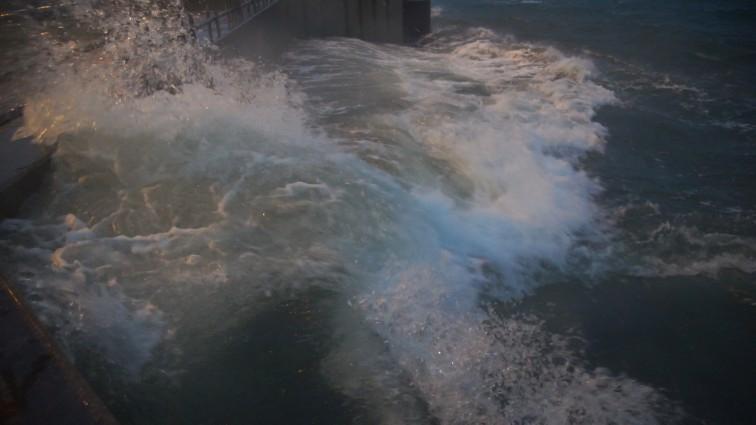 Sztormowa pogoda na Morzu Bałtyckim utrzyma się jeszcze przez kilka dni - GospodarkaMorska.pl