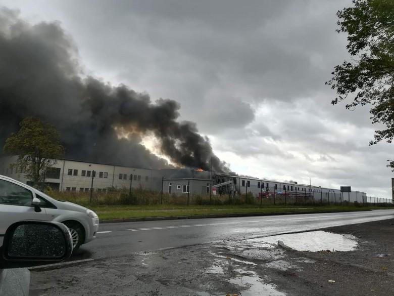 Opanowano pożar w zakładzie przetwórstwa rybnego w Złocieńcu - GospodarkaMorska.pl
