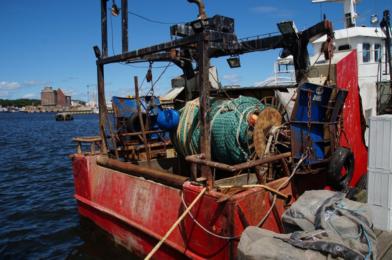 Japońskie media: już ok. 60 osób uratowano z północnokoreańskiej łodzi rybackiej - GospodarkaMorska.pl