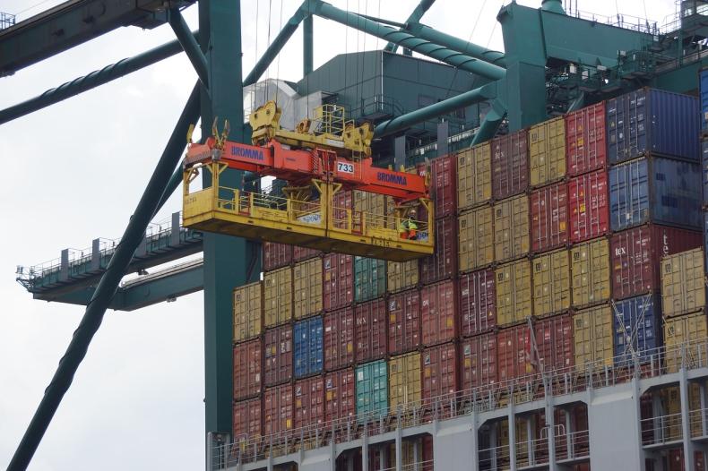 Xinhua: jest porozumienie w głównych kwestiach w sporze handlowym USA-Chiny - GospodarkaMorska.pl
