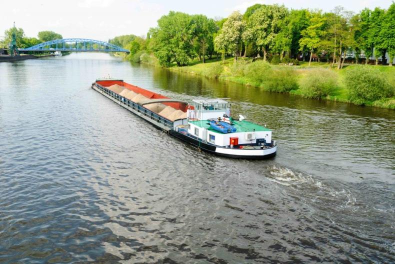 Nowa ustawa obowiązująca armatorów śródlądowych - GospodarkaMorska.pl