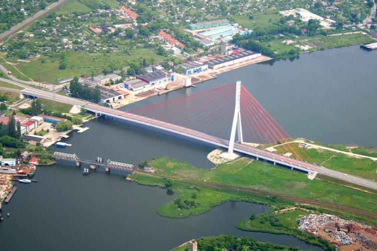Ważny dla mieszkańców, portów i gospodarki. Most wantowy Jana Pawła II służy od 18 lat - GospodarkaMorska.pl