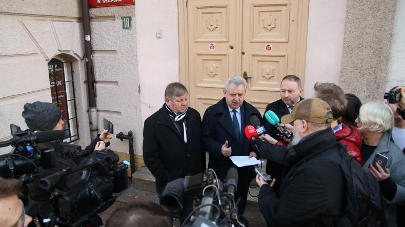 Reakcja działaczy Platformy na plany zamknięcia Urzędu Morskiego w Słupsku - GospodarkaMorska.pl