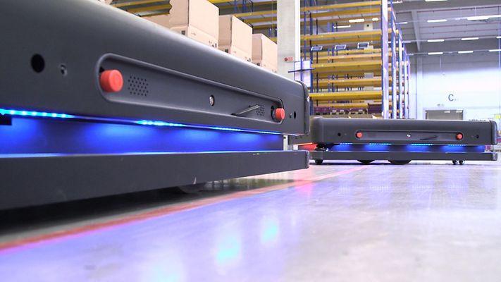 Autonomiczne roboty obsługują magazyn pod Lipskiem [foto] - GospodarkaMorska.pl