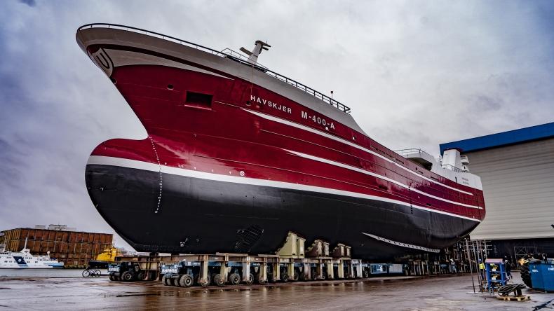 Karstensens Shipyard Poland zwodował kadłub drugiego statku rybackiego [foto, wideo] - GospodarkaMorska.pl