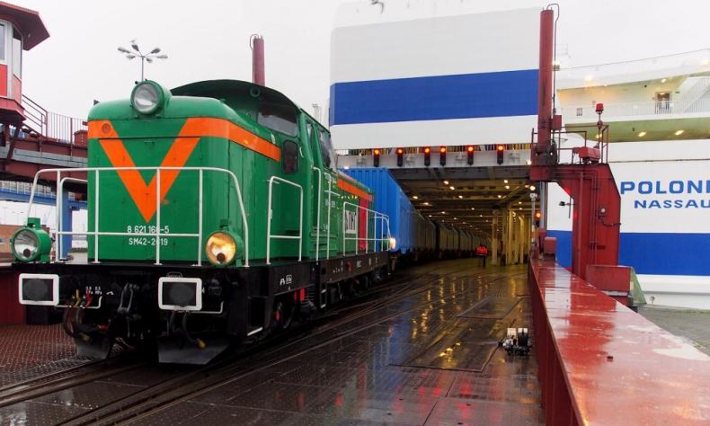 """""""Polonia"""" zapełniła się wagonami kolejowymi, które popłynęły do Norwegii - GospodarkaMorska.pl"""
