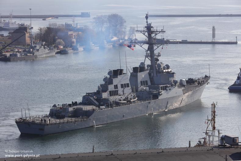 Amerykański niszczyciel USS Donald Cook już w Gdyni - GospodarkaMorska.pl