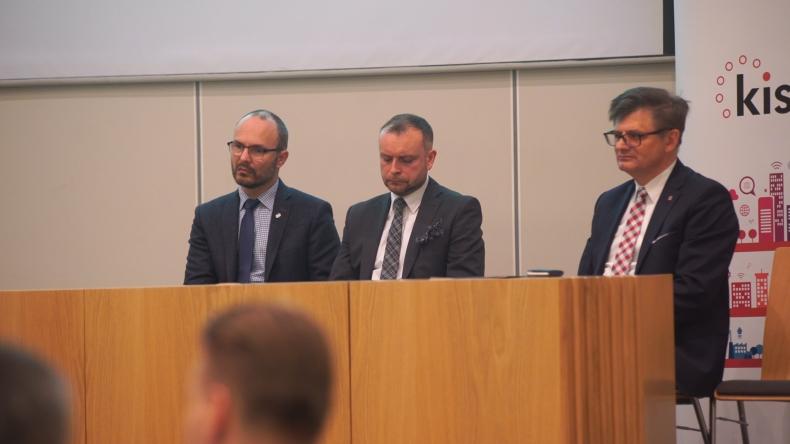 Panel Deloitte dotyczący statków autonomicznych - GospodarkaMorska.pl