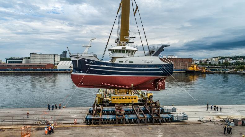 Hat-trick w stoczni Karstensen Shipyard Poland. W czerwcu zwodowali już trzecią jednostkę [foto, wideo] - GospodarkaMorska.pl