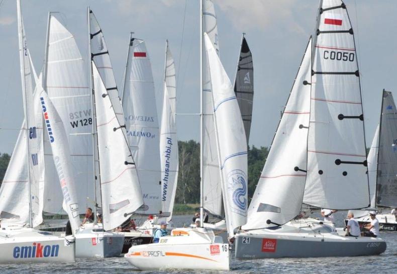Ponad stu żeglarzy rywalizowało w Anwil Cup 2020 - GospodarkaMorska.pl