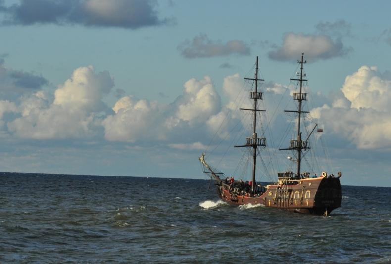 Statek z Łeby utknął na mieliźnie z pasażerami na pokładzie - GospodarkaMorska.pl