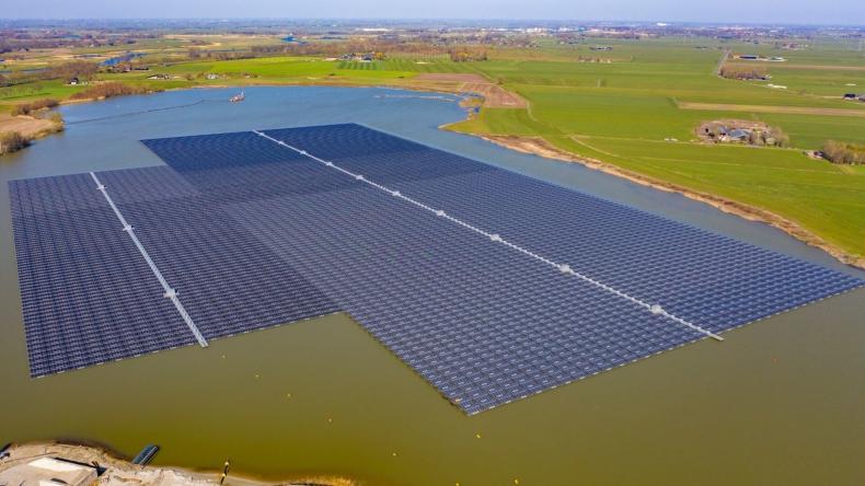 BayWa sprzedał największą pływającą elektrownię słoneczną w Europie  - GospodarkaMorska.pl