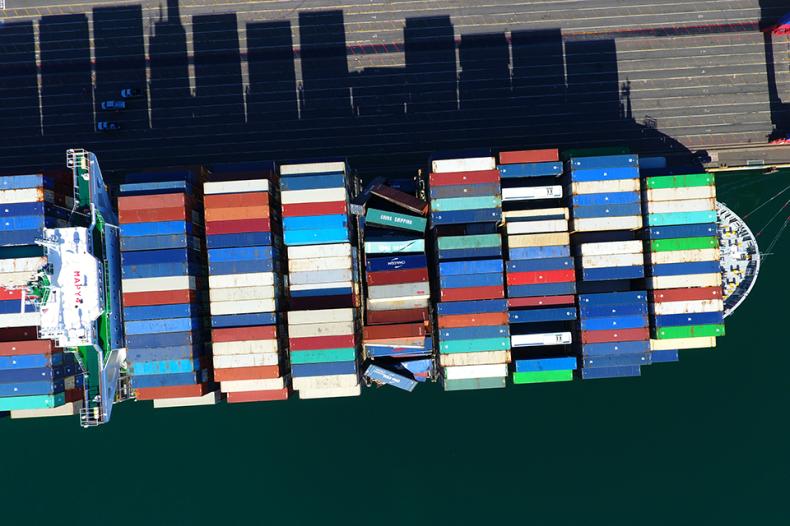Liczba kontenerów utraconych na morzu wciąż spada - GospodarkaMorska.pl