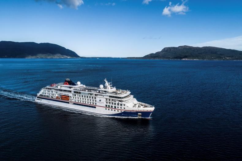 TUI Group zakończyło sprzedaż Hapag-Lloyd Cruises - GospodarkaMorska.pl