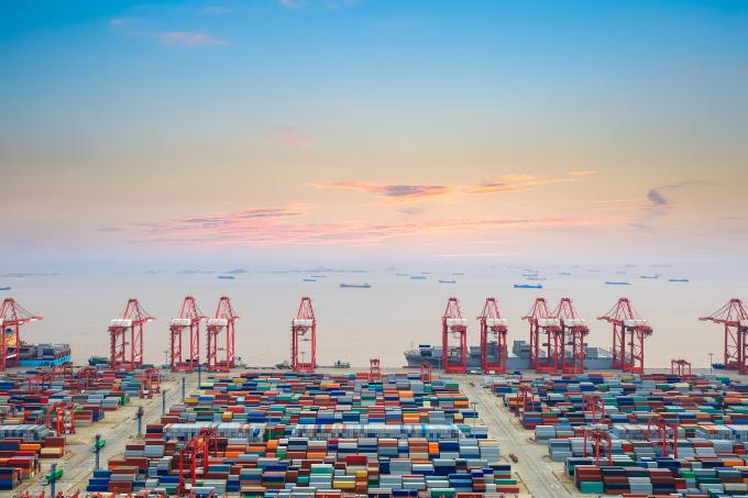 Szanghaj w pierwszej trójce międzynarodowych portów towarowych  - GospodarkaMorska.pl