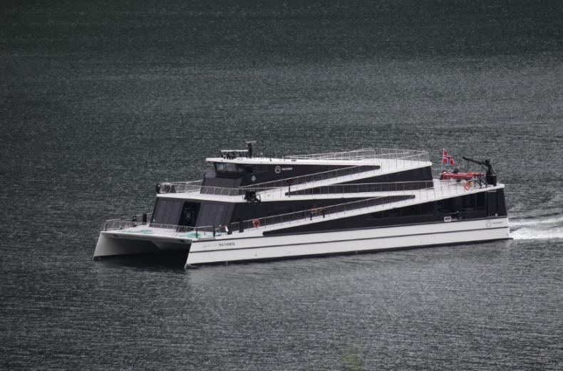 Norweski armator odebrał drugi wycieczkowiec zasilany w pełni energią elektryczną - GospodarkaMorska.pl