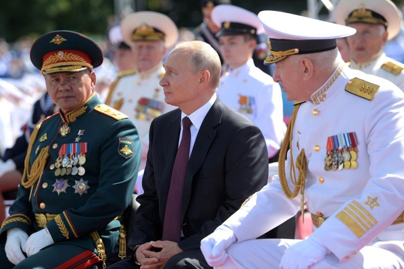 Putin obiecał marynarce nowe okręty i broń hipersoniczną - GospodarkaMorska.pl