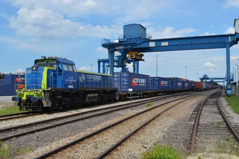 PKP Cargo w pierwszym półroczu br. przewiozło o ponad 21 proc. towarów mniej - GospodarkaMorska.pl