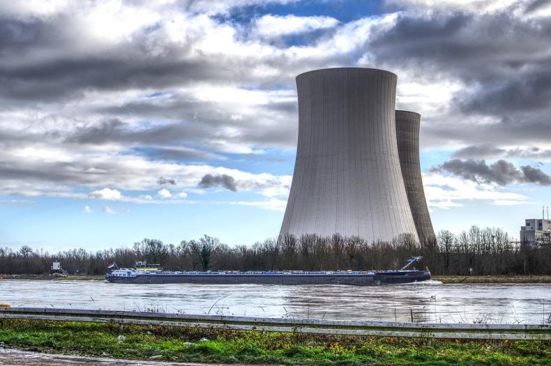 Elektrownia atomowa kosztowna i czasochłonna. W Polsce lepiej sprawdzi się OZE - GospodarkaMorska.pl