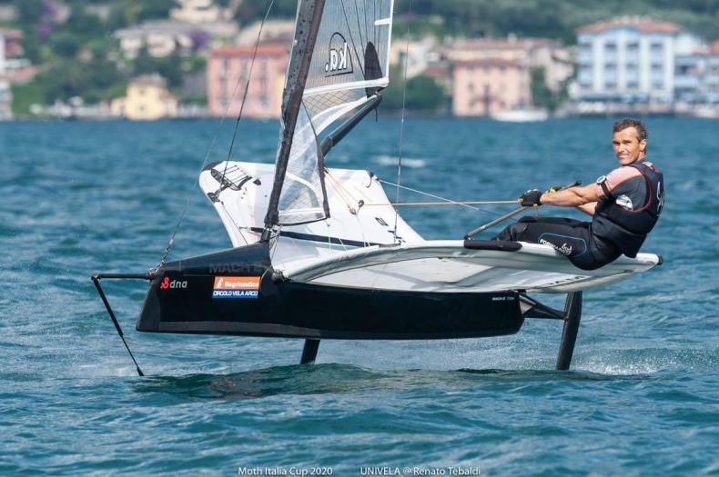 Robert Graczyk zajął trzecie miejsce na Otwartych Mistrzostwach Austrii klasy International Moth - GospodarkaMorska.pl