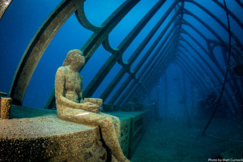 Zjawiskowe muzeum sztuki podwodnej na Wielkiej Rafie Koralowej [foto, wideo] - GospodarkaMorska.pl