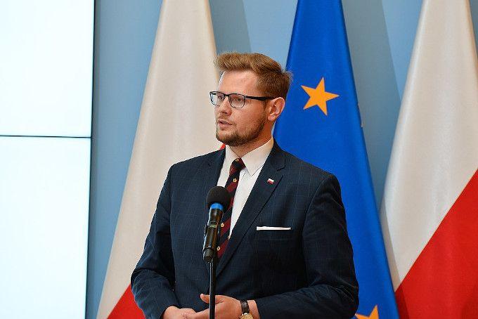 Minister Środowiska na uczelni Tadeusza Rydzyka o klimacie i jego ochronie - GospodarkaMorska.pl