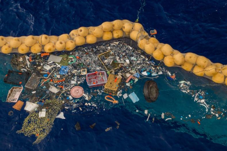 """""""The Times"""": w Atlantyku jest ponad 10 razy więcej plastiku niż sądzono - GospodarkaMorska.pl"""