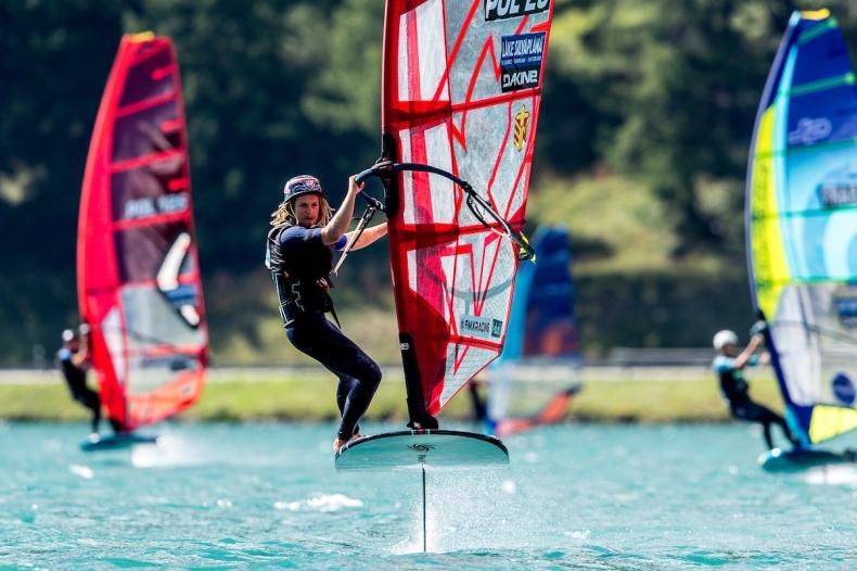 Polacy wicemistrzami świata w windsurfingowej klasie Open Foil - GospodarkaMorska.pl