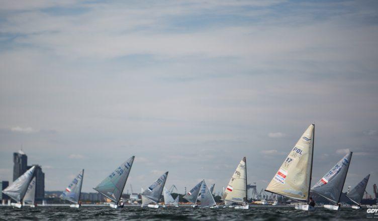 42 żeglarzy z 23 krajów ścigać się będzie w Gdyni - GospodarkaMorska.pl