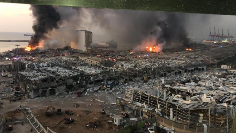 Ponad cztery tony wybuchowej substancji w porcie w Bejrucie - GospodarkaMorska.pl