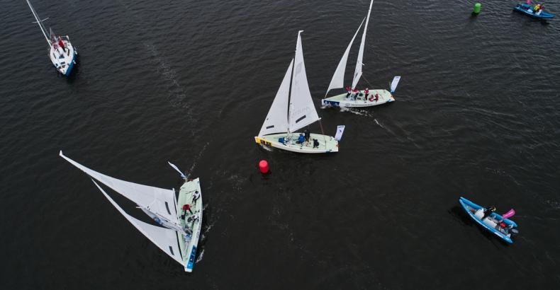 Yacht Club Gdańsk wygrywa w Szczecinie - GospodarkaMorska.pl
