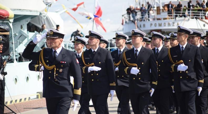 Akademia Marynarki Wojennej w Gdyni rozpoczyna współpracę z Pocztą Polską - GospodarkaMorska.pl