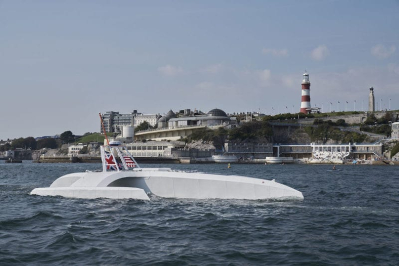 """W Anglii zwodowano sterowany sztuczną inteligencją bezzałogowy statek badawczy """"Mayflower"""" (wideo) - GospodarkaMorska.pl"""