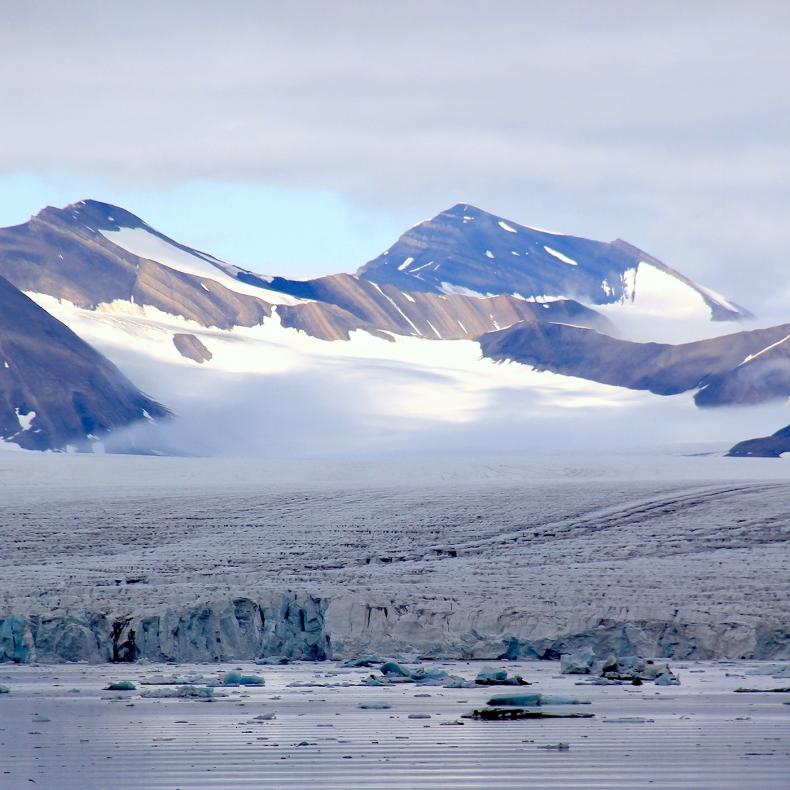 Lodowce na Spitsbergenie topnieją - GospodarkaMorska.pl