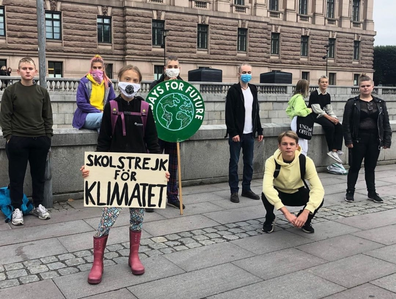 Greta Thunberg powraca z ogólnoświatowym strajkiem klimatycznym - GospodarkaMorska.pl