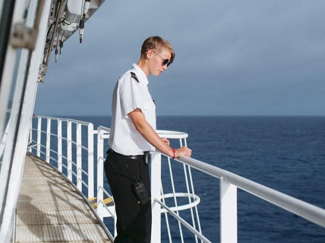 Maersk wzywa do działania w sprawie 400 tysięcy marynarzy uwięzionych na morzu - GospodarkaMorska.pl